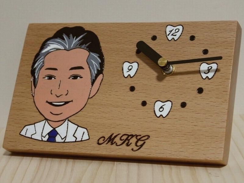 院長先生お誕生日祝い 似顔絵置時計00