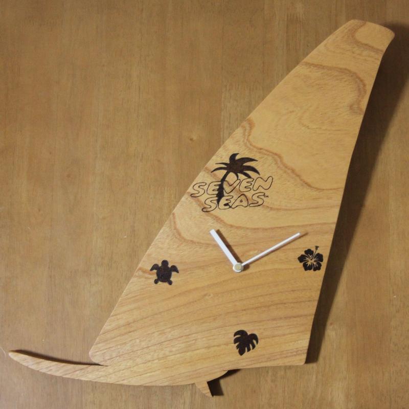サーフボード型の時計00